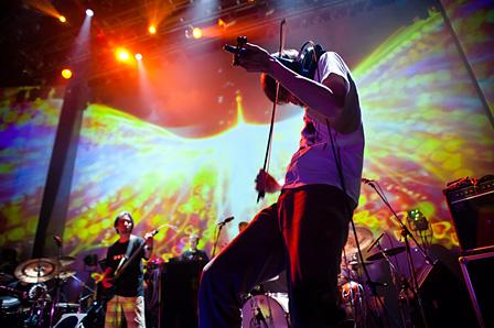 2011年に行われた『ROVO×SYSTEM 7 / Phoenix Rising Tour』の模様