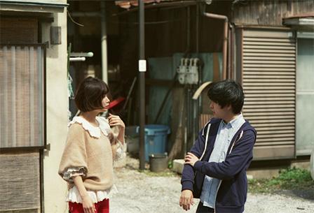左から:川上未映子、藤田貴大