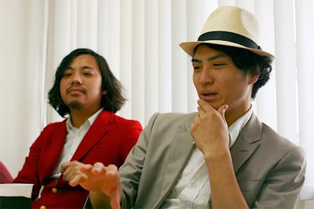 左から:スガナミユウ、千秋藤田