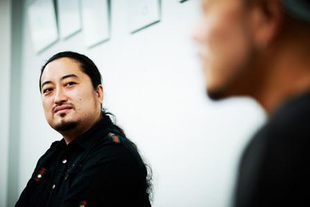 左から:DJ KAYA、JIN