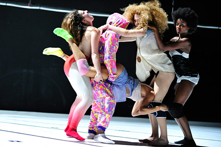 『altered natives' Say Yes To Another Excess-TWERK ダンス・イン・クラブナイト』フランソワ・シェニョー、セシリア・べンゴレア Photo:Emile Zeizig