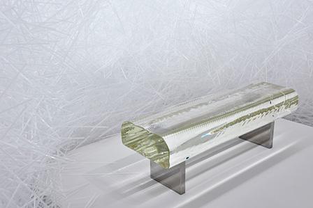 『Water Block』(2002)/ 佐賀県立美術館『吉岡徳仁展―トルネード』展示風景