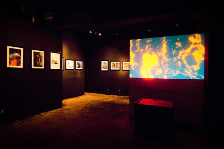 『我葬』展示風景(2015年8月19日から23日まで東京・渋谷 GALLERY LE DECOで開催)