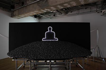 インゴ・ギュンター『Seeing Beyond the Buddha』『回向―つながる縁起』展示風景