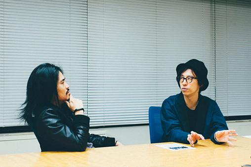 左から:菅波栄純、ホリエアツシ