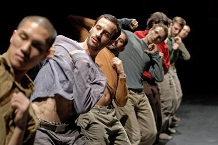 「UKダンスの牽引者」ホフェッシュ・シェクター インタビュー