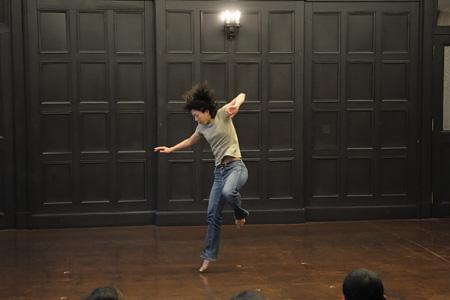 神村 恵 「Seeing is believing.」2009.2/1 横浜開港記念会館 6号室 (写真:松本和幸)