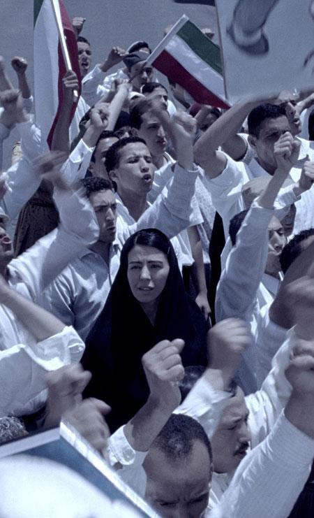 シリン・ネシャット《男のいない女たち》2009年
