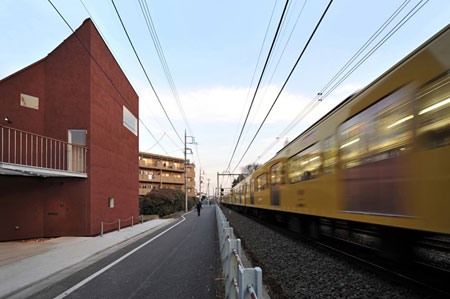 菊地宏 《大泉の家》 2009年 写真:菊地宏 © hiroshi kikuchi architects