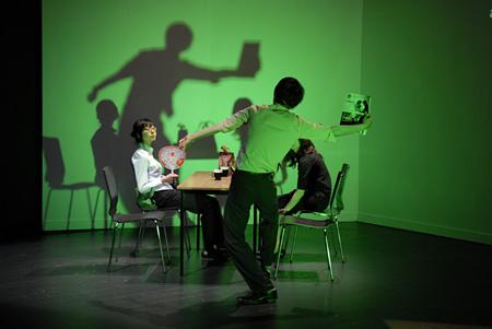 『ホットペッパー、クーラー、そしてお別れの挨拶』2009年10月@Hebbel Am Ufer/HAU劇場(ベルリン)© Dieter Hartwig