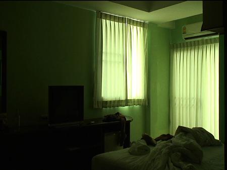 鈴木光、『もしあなたが話したいことがあるなら、それを僕に教えてください。』2009、video