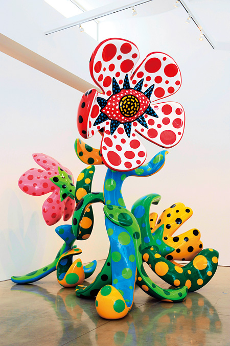 草間彌生 《真夜中に咲く花》 ©Yayoi Kusama, Yayoi Kusama Studio Inc. Courtesy of Gagosian Gallery / Ota Fine Arts