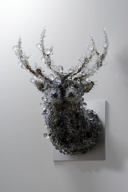 「PixCell-Double Deer」、2010、h.142 x w.78 x d.71 cm、photo by OMOTE Nobutada