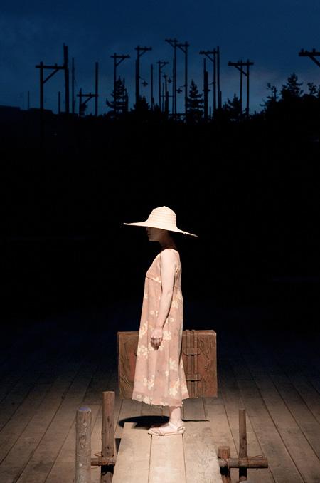2010年犬島公演 [撮影]井上嘉和