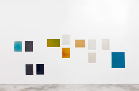 Wolfgang Tillmans『Silver Installation X』2010 unique C-type prints 190.7 cm x 427.4 cm Courtesy WAKO WORKS OF ART