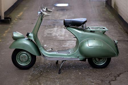 スクーター《ベスパ125cc》 1951年 マイケル・ホワイトウェイ蔵