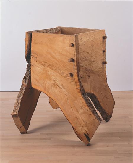 ディヴィッド・ナッシュ《捻箱》1982年 栃木県立美術館蔵