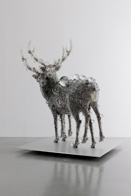 《PixCell-Double Deer#4, 2010, Courtesy of SCAI THE BATHHOUSE, 撮影:表恒匡