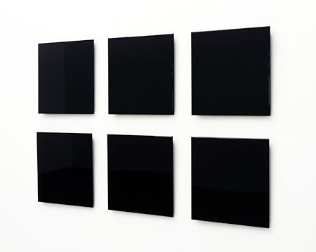 Atsushi Saga repose / 024 – 027 2009 45.2-45.9  x 45 x  3.5-4.3 cm each installation size 103 x 160 cm MDF, urethane coat