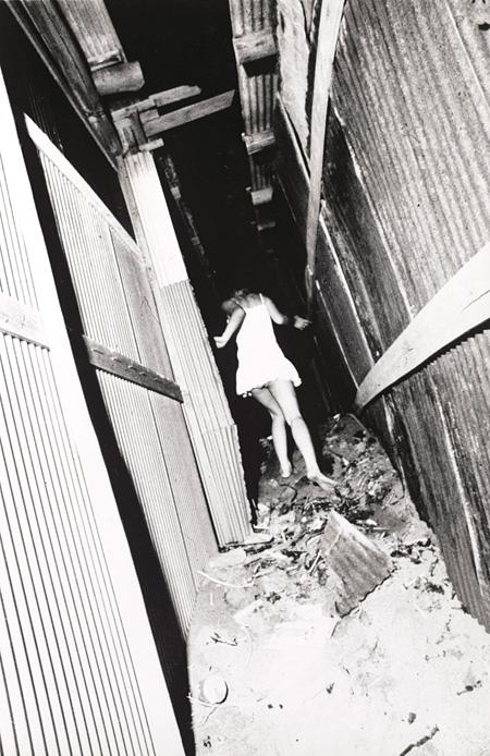 森山大道 《ヨコスカ》 1971年 東京工芸大学写大ギャラリー蔵 ©Daido Moriyama