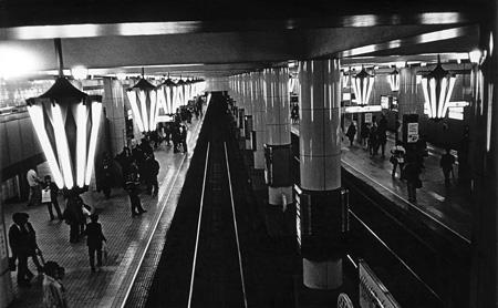 森山大道 《大阪 地下鉄天王寺駅》 1997年 国立国際美術館蔵 ©Daido Moriyama