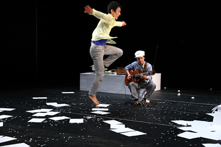 2010年『AAAA』 撮影:冨田了平