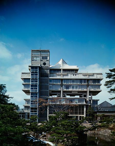 菊竹清訓 《東光園》 1964年 鳥取 撮影:新建築写真部