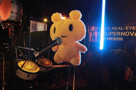 AZUMA HITOMIライブの様子