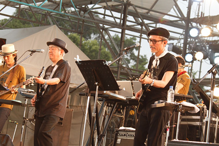 THE BEATNIKS(『WORLD HAPPINESS 2011』出演時)