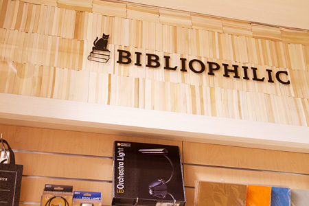 「BIBLIOPHILIC」店内展開の様子