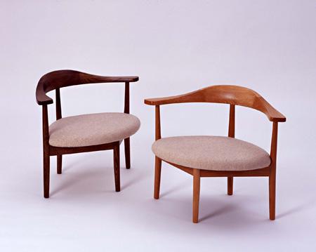 あぐらがかける≪男の椅子≫ 1985年頃 デザイン:秋岡芳夫