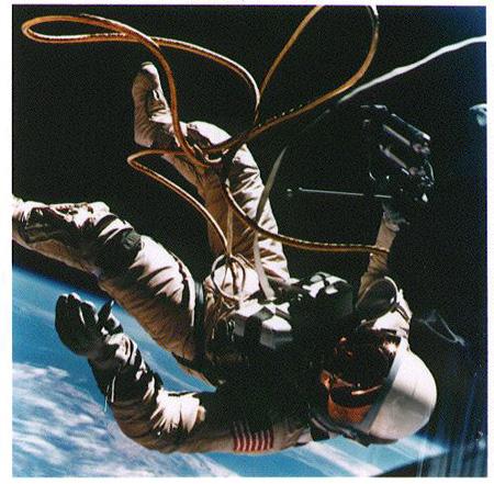 NASA 宇宙への旅―25年の歴史 ミッション:ジェミニ(タイタン)4号 1965年