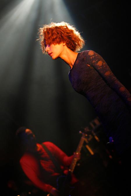 showcase-prints.comで販売されている木村カエラのライブ写真