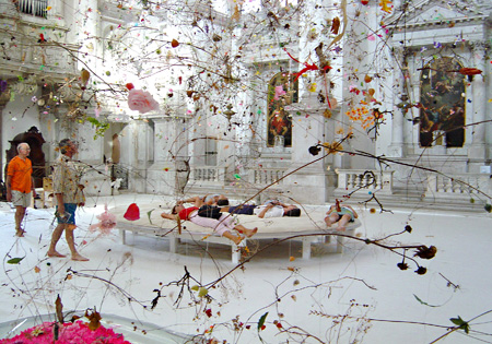 《Falling Garden》2003, Gerda Steiner & Jörg Lenzlinger