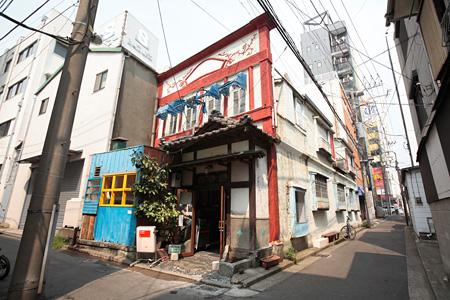 竜宮美術旅館 photo:Yasuyuki Kasagi