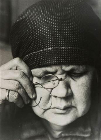 母の肖像 1924年(1980年代にプリント)©Archive Rodchenko