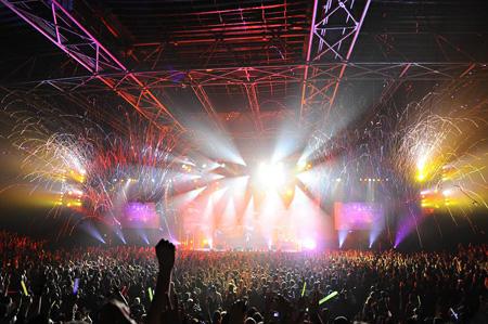 L'Arc〜en〜Ciel ワールドツアーの模様