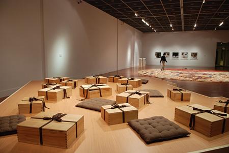 台北現代美術館でのFabric of Memory 展示風景(2007年) Courtesy of MoCA Taipei