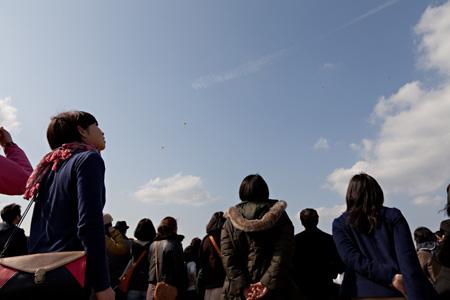 2012年3月20日に開催された『空飛ぶオーケストラ大実験 ―千住フライングオーケストラお披露目会』の模様