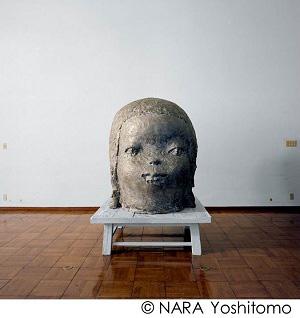 ≪ちょっと意地悪≫ 2012 白銅 h153.0×125.0×135.0cm ©NARA Yoshitomo 撮影:森本美絵