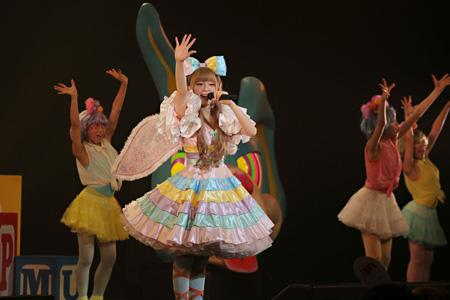 7月2日に東京・SHIBUYA–AXで開催された『ぱみゅぱみゅレボリューションツアー』最終公演の模様