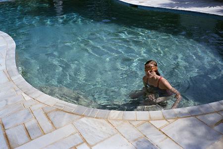 『籠の中の乙女』©2009 BOO PRODUCTIONS  GREEK FILM CENTER  YORGOS LANTHIMOS  HORSEFLY PRODUCTIONS – Copyright ©XXIV All rights reserved