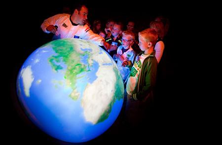 「触れる地球」写真提供:触れる地球プロジェクト