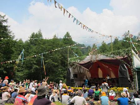 7月28日『FUJI ROCK FESTIVAL'12』出演時の蜜