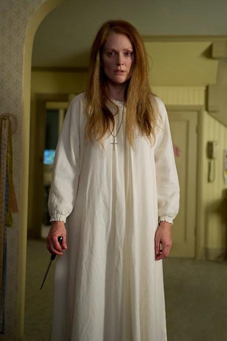 キャリーの母親役を演じるジュリアン・ムーア