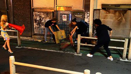 Chim↑Pom『SUPER RAT』2011-12 ©2011 Chim↑Pom Courtesy of MUJIN-TO Production, Tokyo