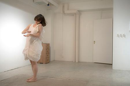 酒井幸菜『In her, F major』 2009年(LIFT) 撮影:相川健一