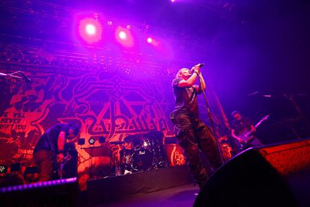 11月8日にZepp DiverCityで開催された『2012 Tour「露命」』東京公演の模様 Photo By Tsukasa Miyoshi