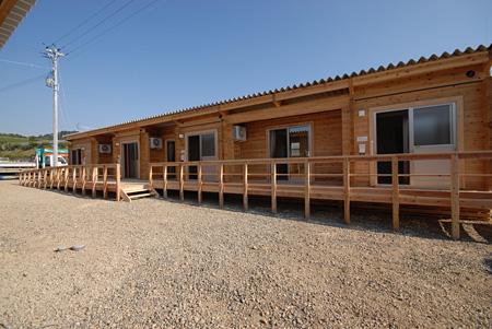 福島県『木造仮設住宅群』