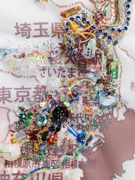 秋山さやか『地をうごく 山形 2012 4月17日〜5月3日』2012年(写真は部分) 写真©Hideto Nagatsuka